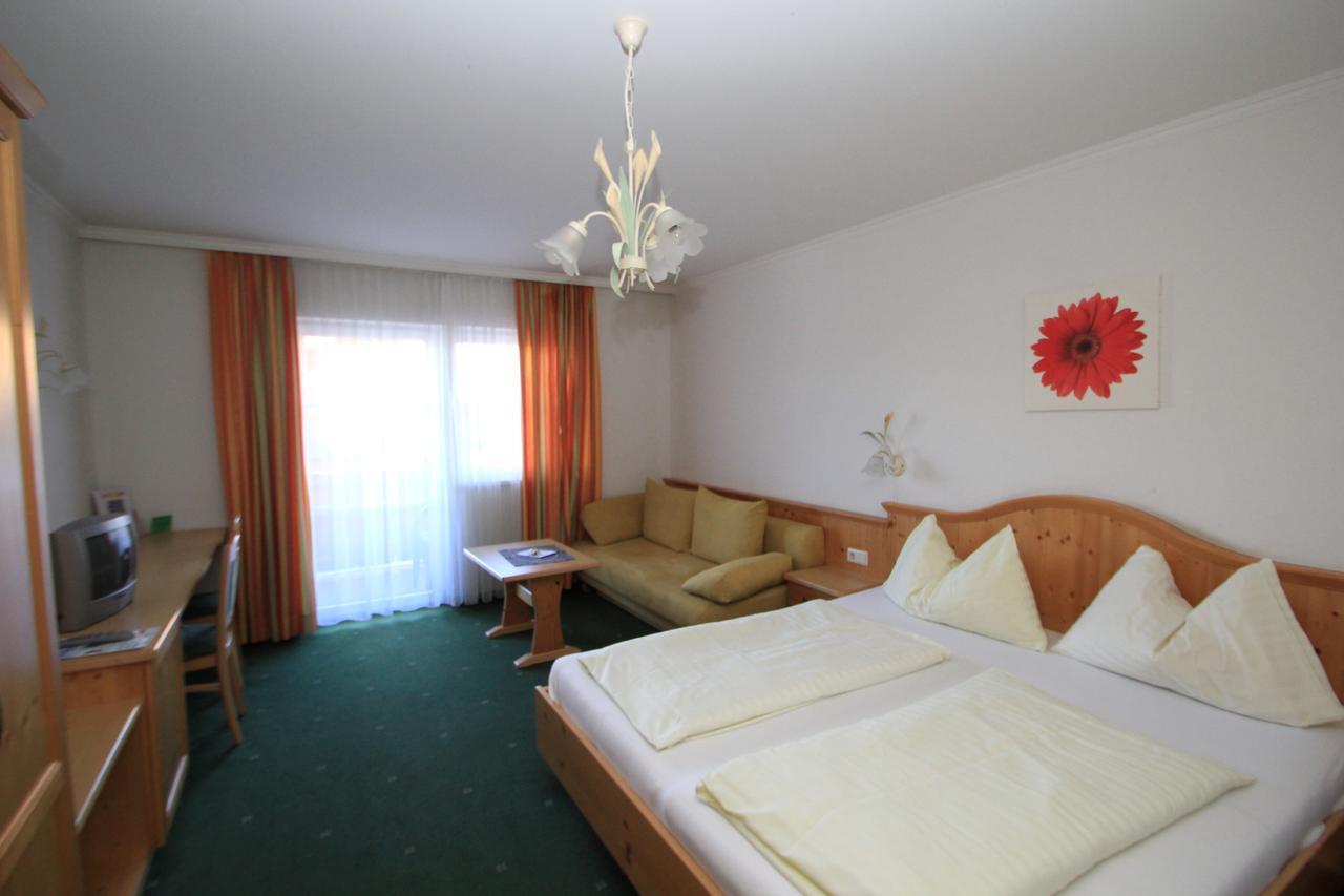 חדר במלון אריקה
