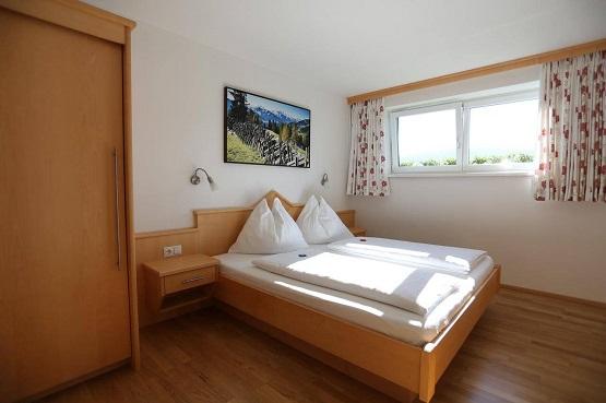 חדר בבית הדירות לינבאכר