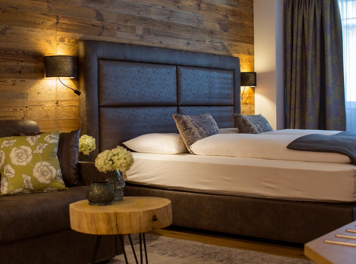 חדר במלון העץ הירוק