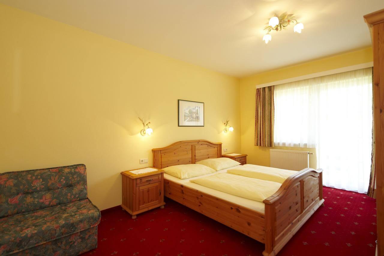 חדר במלון דירות פיכלר