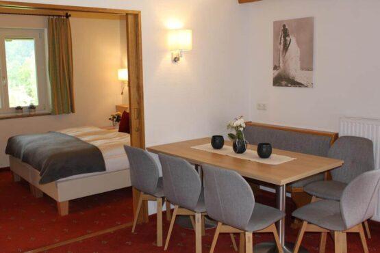 חדר במלון הדירות פנורמה.